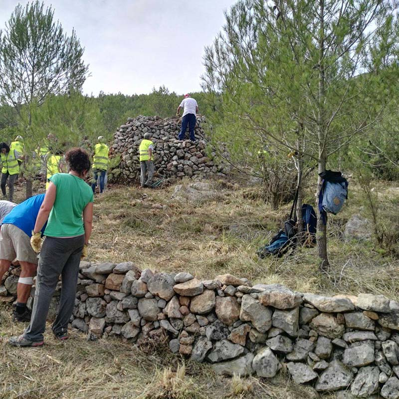 Parc garraf_dry_stone_walls_rebuilding